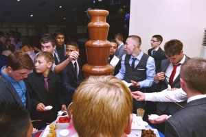 Prom Chocolate Fountain Hire Birmingham - Chocolate Fountains R Us