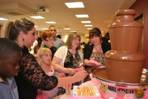 Chocolate Fondue Suppliers Aylesbury Oxfordshire -Chocolate Fountains R Us