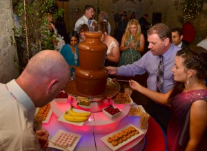 Chocolate Fountain Hire Event Wedding Cripps Barn Cirencester - Chocolate Fountains R Us