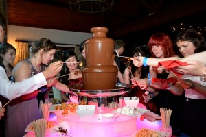 Medium Chocolate Fountain Fondue Hire - Chocolate Fountains R Us
