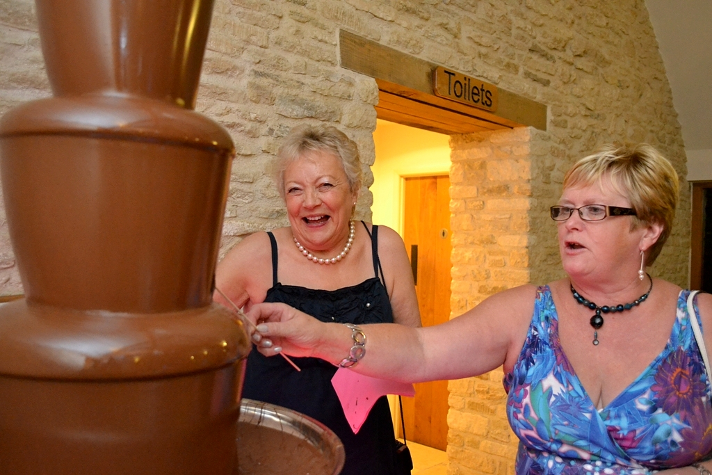 Large Chocolate Fondue Hire Kingscote Gloucestershire, Cheltenham, Cirencester, Dursley, The Forest of Dean, Gloucester, Moreton In Marsh, Nailsworth, Stroud, Tetbury, The Cotswolds, and Tewkesbury - Chocolate Fountains R Us