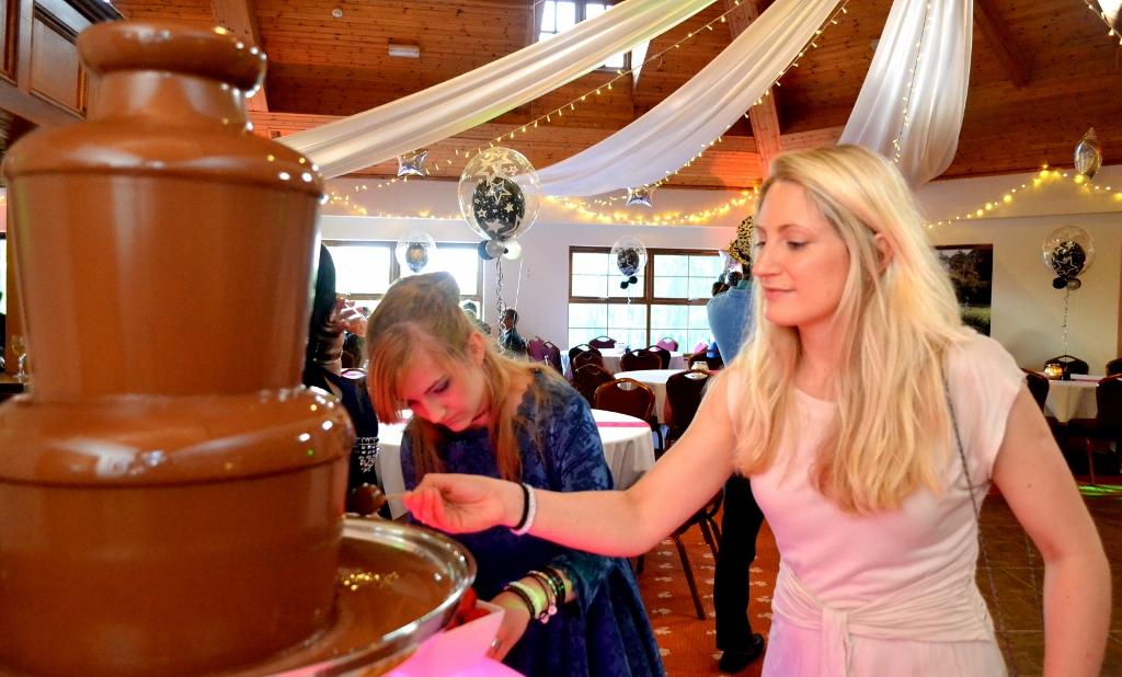 Chocolate Fountain Hire Oxford - Chocolate Fountains R Us